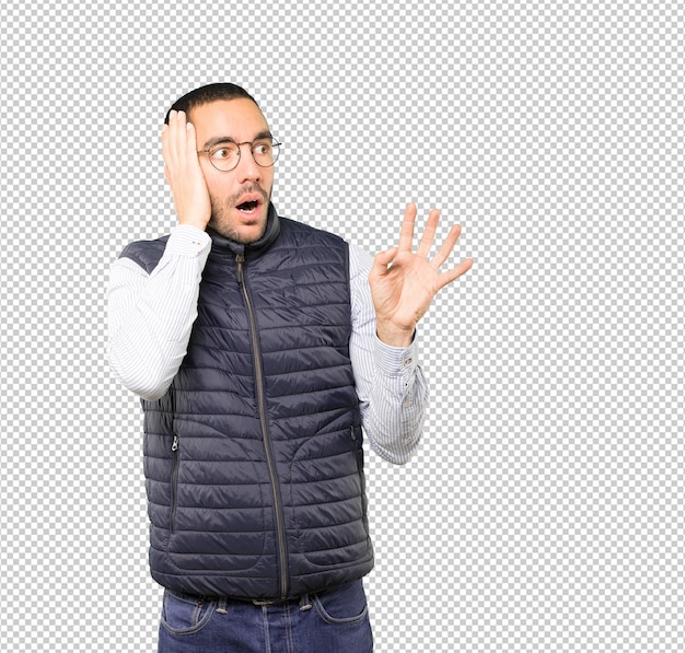 Scared young man screaming Premium Psd