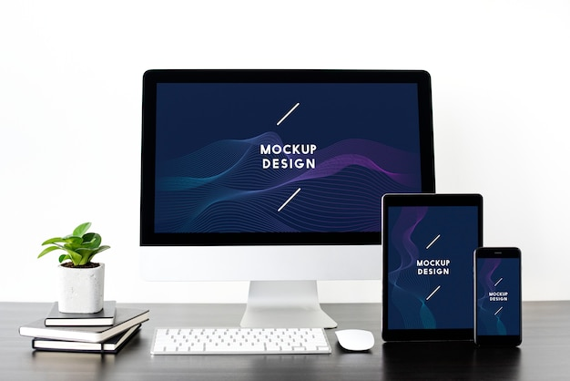Set of digital devices screen mockup Free Psd