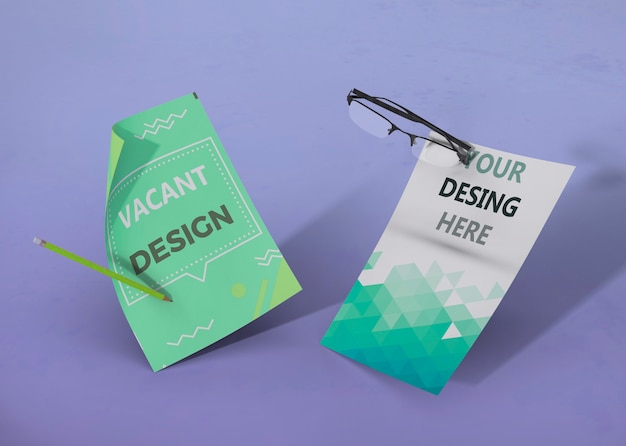 Набор бизнес фирменного стиля макет и очки Бесплатные Psd