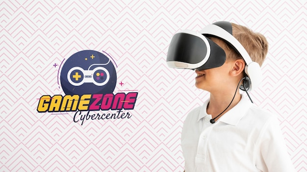 Side view kid with vr glasses Free Psd
