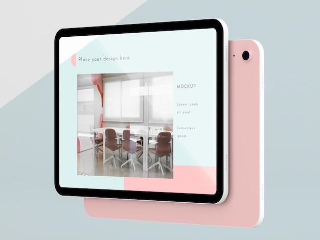 画面のモックアップを備えた側面図のモダンなタブレット 無料 Psd