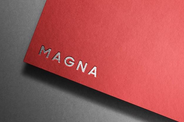 Modello di parola d'argento su carta rossa Psd Gratuite
