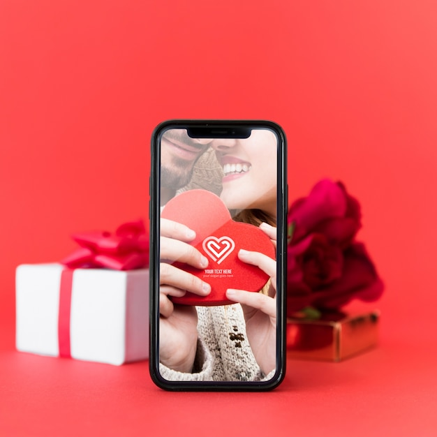 Smartphone mockup with valentine concept Free Psd