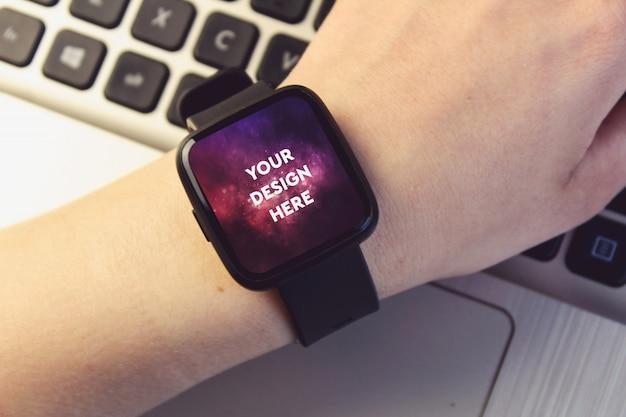 Smartwatch display mockup Free Psd