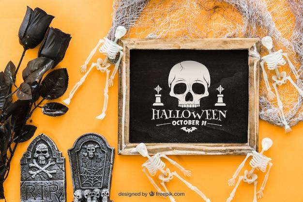 Spooky halloween slate mockup Free Psd