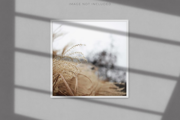 Square blank picture frame mockup with shadow overlay Premium Psd