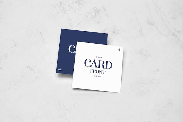바닥 이랑에 누워 사각형 카드 프리미엄 PSD 파일