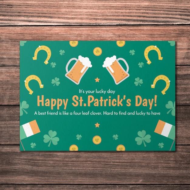 Макет зеленой открытки для дня st patricks Premium Psd