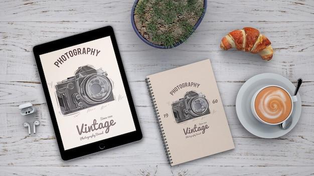 写真コンセプトとコーヒーを使った文房具模型 無料 Psd