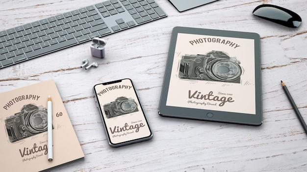 レトロ写真コンセプトの文房具モックアップ 無料 Psd