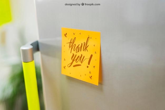 冷蔵庫モックアップの付箋 無料 Psd