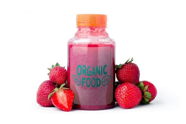 Strawberry smoothie in a plastic bottle mock up Premium Psd