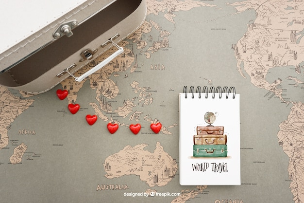 Suitcase and notepad Free Psd