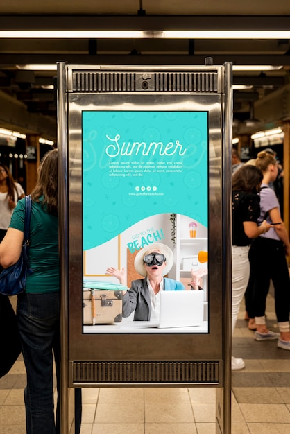 Summer billboard mock-up Free Psd
