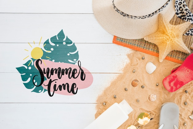 Summer lettering background with summer elements Free Psd