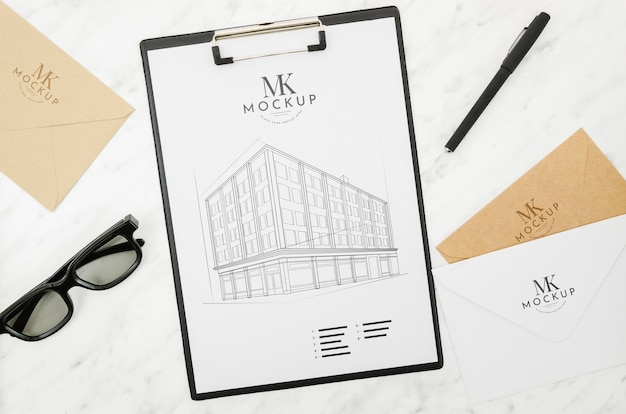 Sunglasses and architecture outdoors mock-up Free Psd