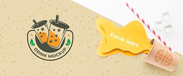 甘い飲み物ジュースのコンセプトのモックアップ 無料 Psd