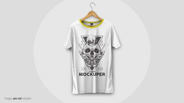 T-shirt on the hanger mockup Premium Psd