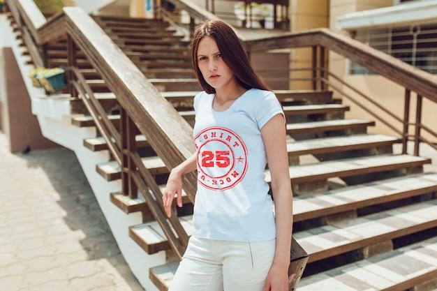 Tシャツモックアップ Premium Psd