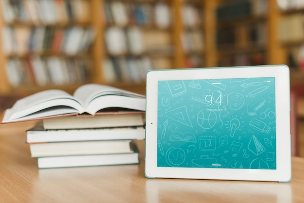 Tablet or ebook reader mockup with literature concept Free Psd