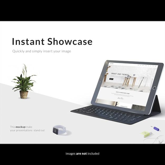 흰색 테이블까지 조롱 태블릿 무료 PSD 파일