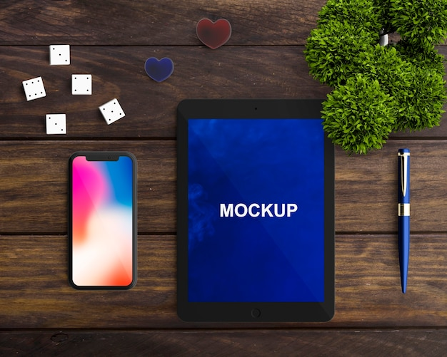 Tablet and smartphone mockup Free Psd