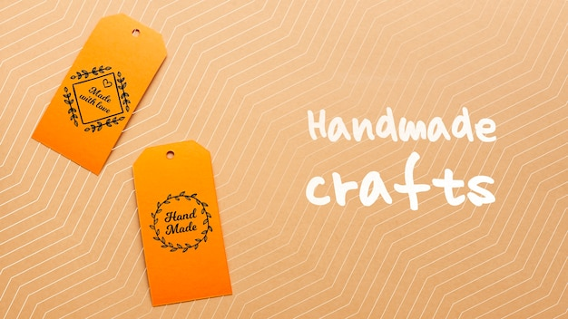 Tag con artigianato fatto a mano su cartone Psd Gratuite