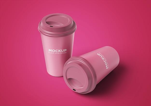 分離された紙のコーヒーカップのモックアップを奪う Premium Psd