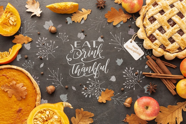 Thanksgiving day with delicious pies Free Psd