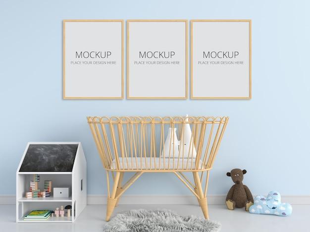 Три пустые фоторамки для макета в детской спальне Premium Psd