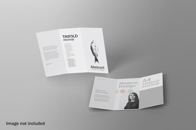 トップアングルビューリアルな三つ折りパンフレットのモックアップ Premium Psd