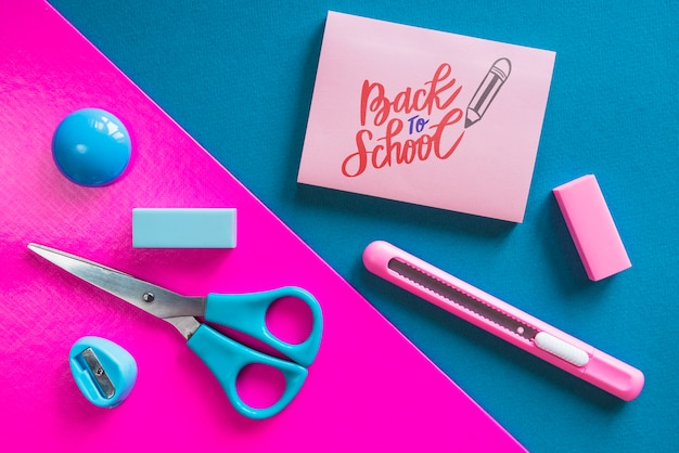 Top view arrangement with school supplies Free Psd