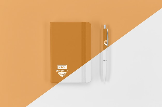 Top view of back to school notebook and pen Free Psd