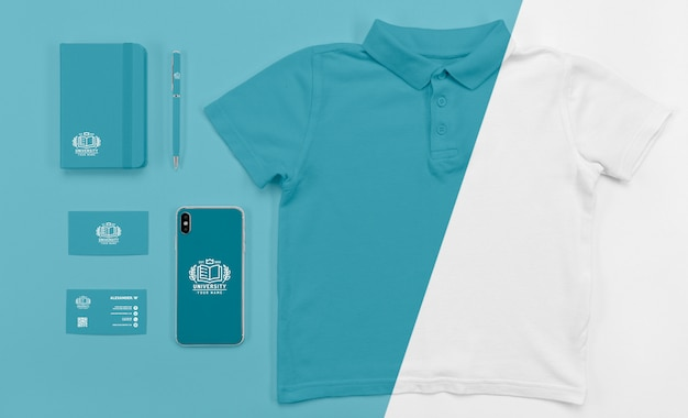 Top view of back to school smartphone with t-shirt Premium Psd