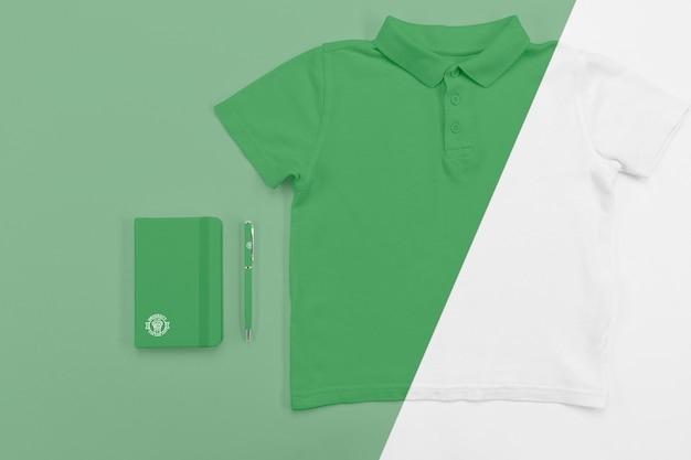 Top view of back to school t-shirt with notebook and pen Free Psd