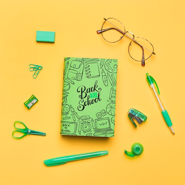 Top view back to school with green notebook Free Psd