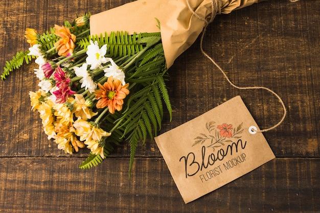 Вид сверху букет цветов с макетом Бесплатные Psd