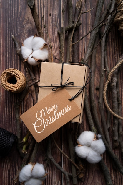 Top view christmas gift with tag Free Psd