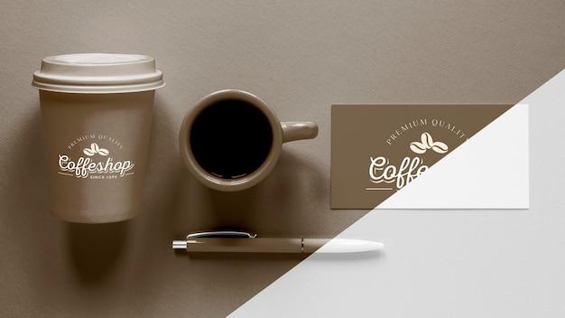 トップビューのコーヒーブランドアイテムの配置 無料 Psd