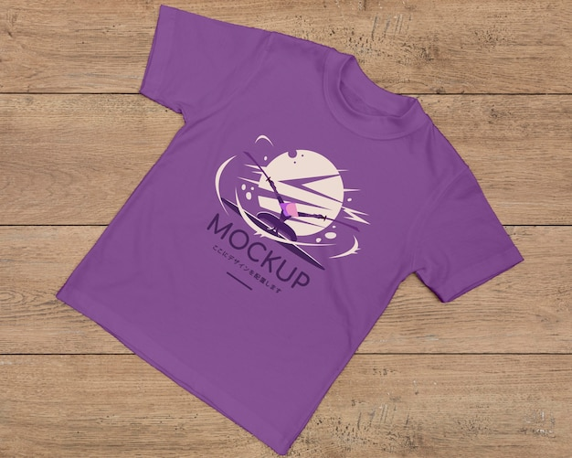 Top view of cute t-shirt concept mock-up Free Psd