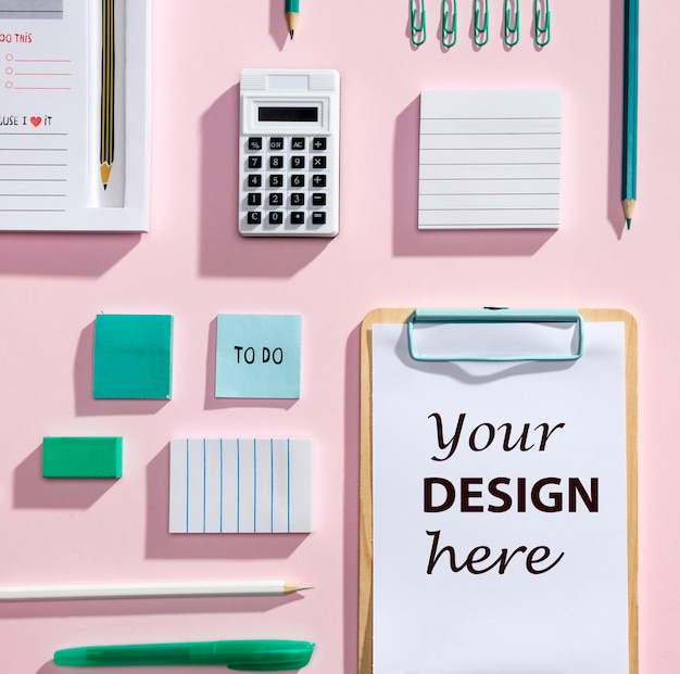 Top view desk concept with mock-up clipboard Free Psd