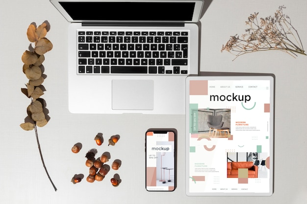 Top view devices mockup with autumn decor Premium Psd