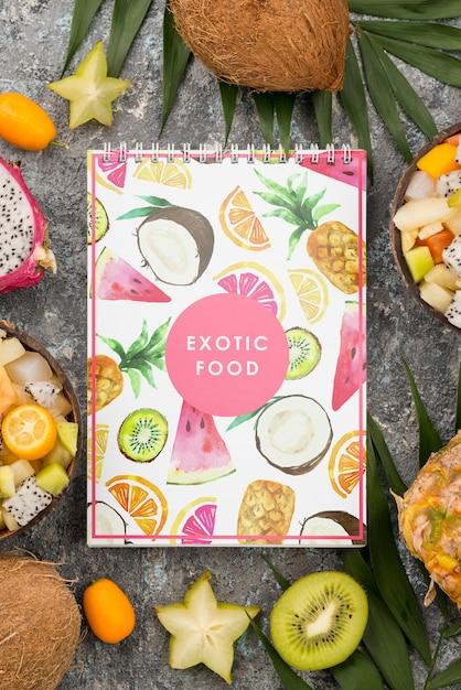 Vista dall'alto concetto di cibo esotico con mock-up Psd Gratuite