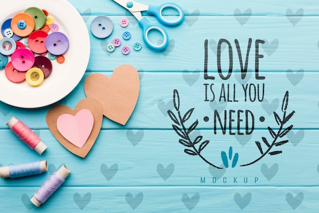 Top view hearts on wooden background Free Psd