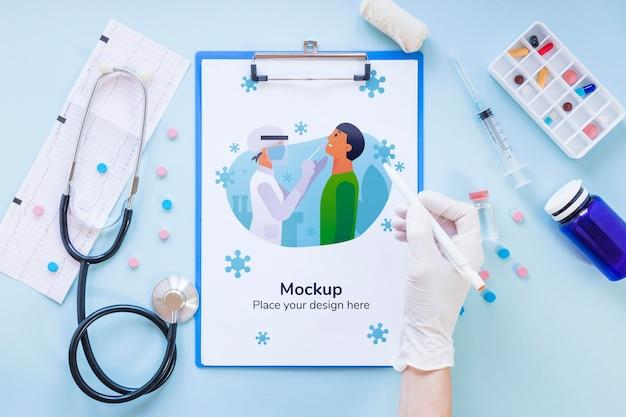 Вид сверху медицинские инструменты с макетом Бесплатные Psd