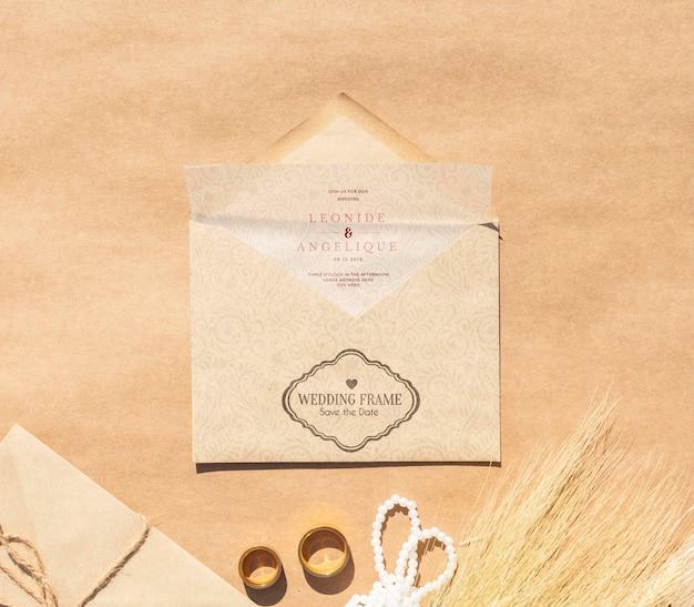 Top view minimalist brown paper envelopes Free Psd