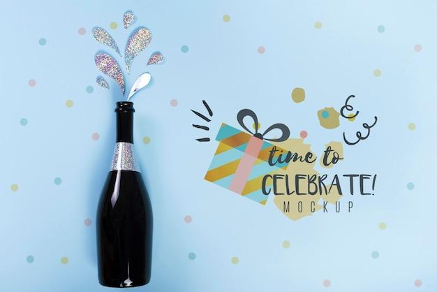 Вид сверху бутылки шампанского на годовщину дня рождения Бесплатные Psd