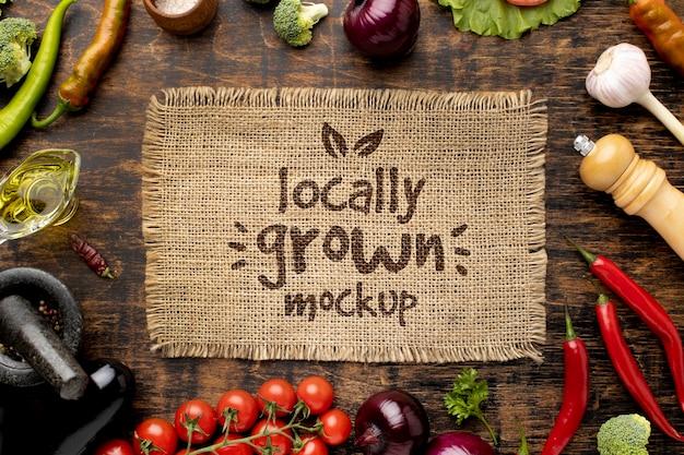 トマトと野菜の黄麻布の上面図 無料 Psd
