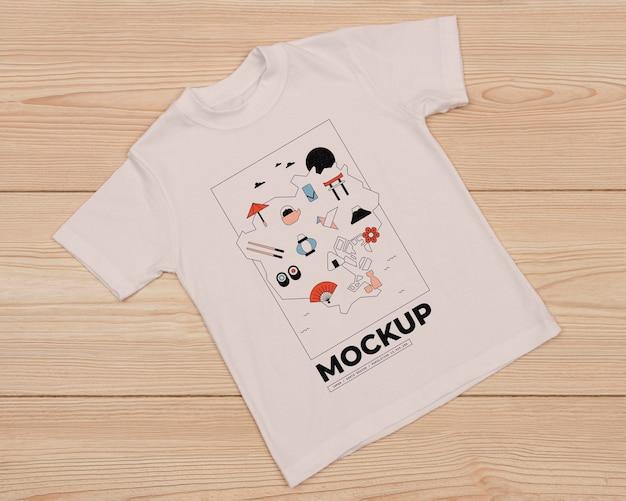 かわいいtシャツコンセプトモックアップの上面図 無料 Psd
