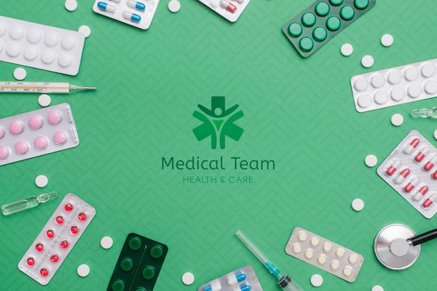 Таблетки сверху на зеленом фоне Бесплатные Psd